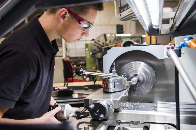 Werkzeugmechaniker – Ausbildung nach Maß.